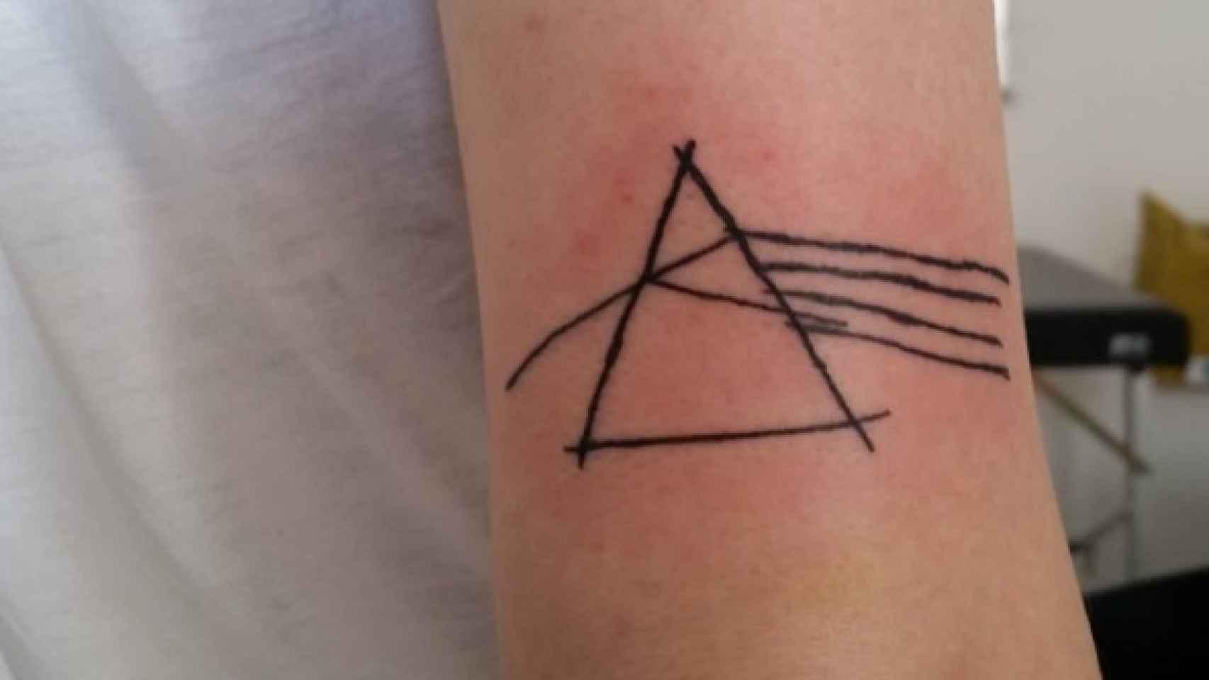 La Tatuadora Que Triunfa Dibujando Mal