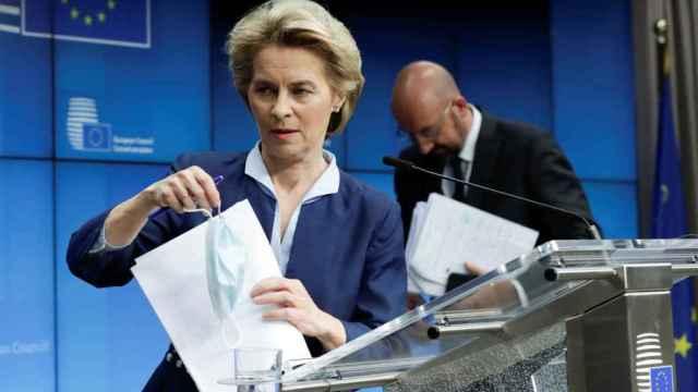 Ursula von der Leyen y Charles Michel, durante la rueda de prensa de este viernes
