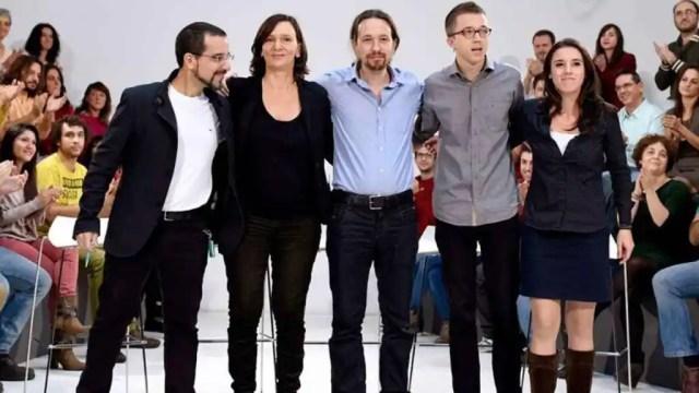 Sergio Pascual, Carolina Bescansa, Pablo Iglesias, Íñigo Errejón e Irene Montero en una imagen de archivo durante la campaña electoral del 20 de diciembre de 2015.