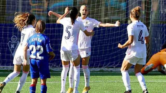 Eibar 1-3 Real Madrid Femenino: El Real Madrid Femenino gana su tercer  partido consecutivo ante un aguerrido Eibar