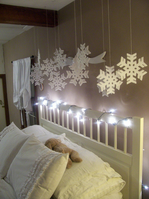 bed bedding lights snowflakes white  image 146904 on