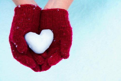 Cute Mittens Wallpaper Heart Love Red Snow White Image 167963 On Favim Com
