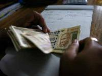 Rupee falls 10 paise to 62.26/$ in early trade