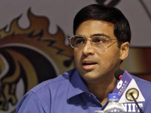 Playing Carlsen was like playing a human computer: Anand