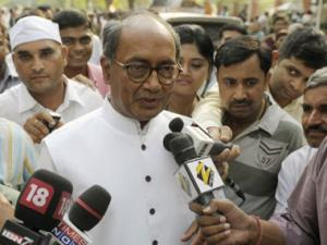 Coal scam: Cannot understand FIR against Birla, says Digvijaya