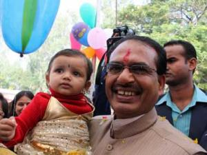 Chouhan urges PM to convene meeting of CMs on Food Safety Act