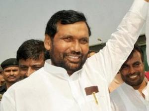 Ramvilas Paswan's LJP to ally with Modi in 2014 polls?