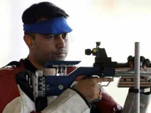 CWG: Narang fails to qualify for 10m air rifle; Bindra, Vijay in