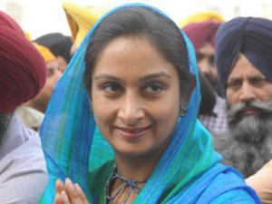 In Bathinda, battle of the Badals overwhelm issues that matter