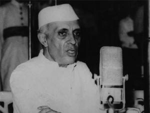 Freeing Nehru from the Gandhis: A 50th anniversary tribute