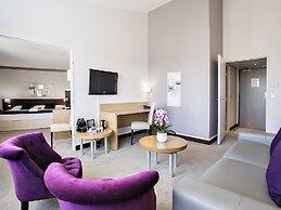 Hotel Mercure Toulouse Aeroport Golf De Seilh Seilh France