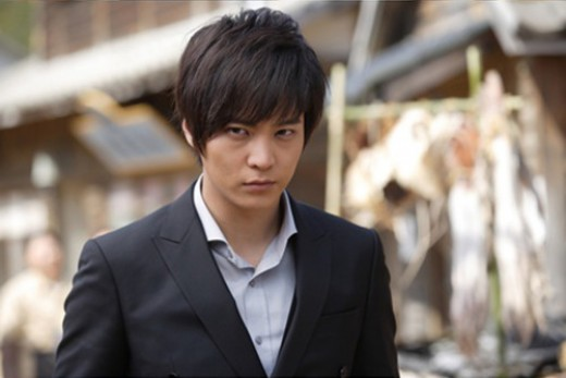 "Or if the plunging neckline look is too gauche for your taste, but you want something less ""stiff"", ""stern"" and ""Victorian"", then skip the tie and wear it Lee Kangto style! (the protagonist of my FAVORITE K-Drama, Bridal Mask) Collar stays tucked"