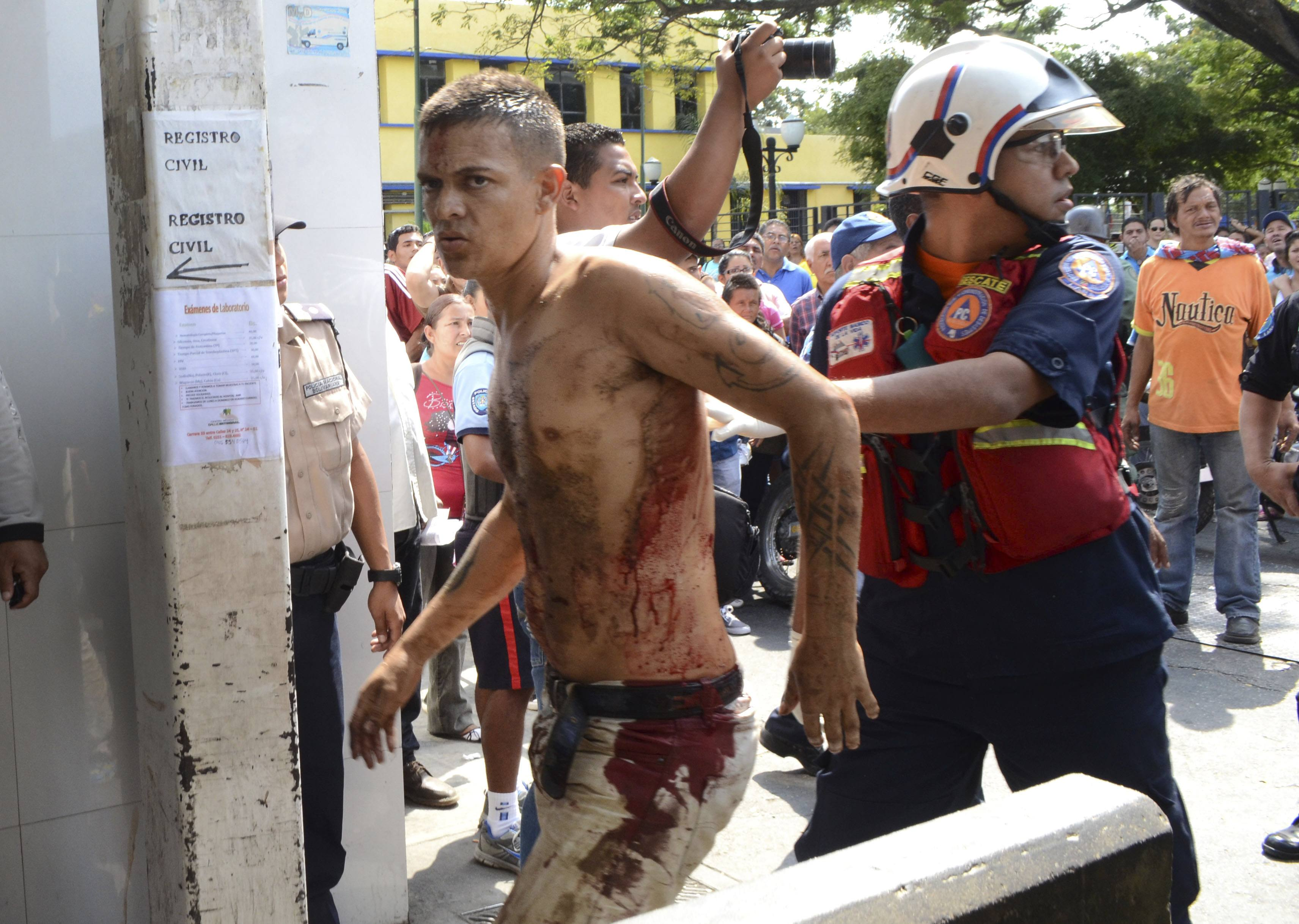 Dozens Killed In Prison Riot Mourning Families Human Rights Groups Criticize Venezuelan Inaction