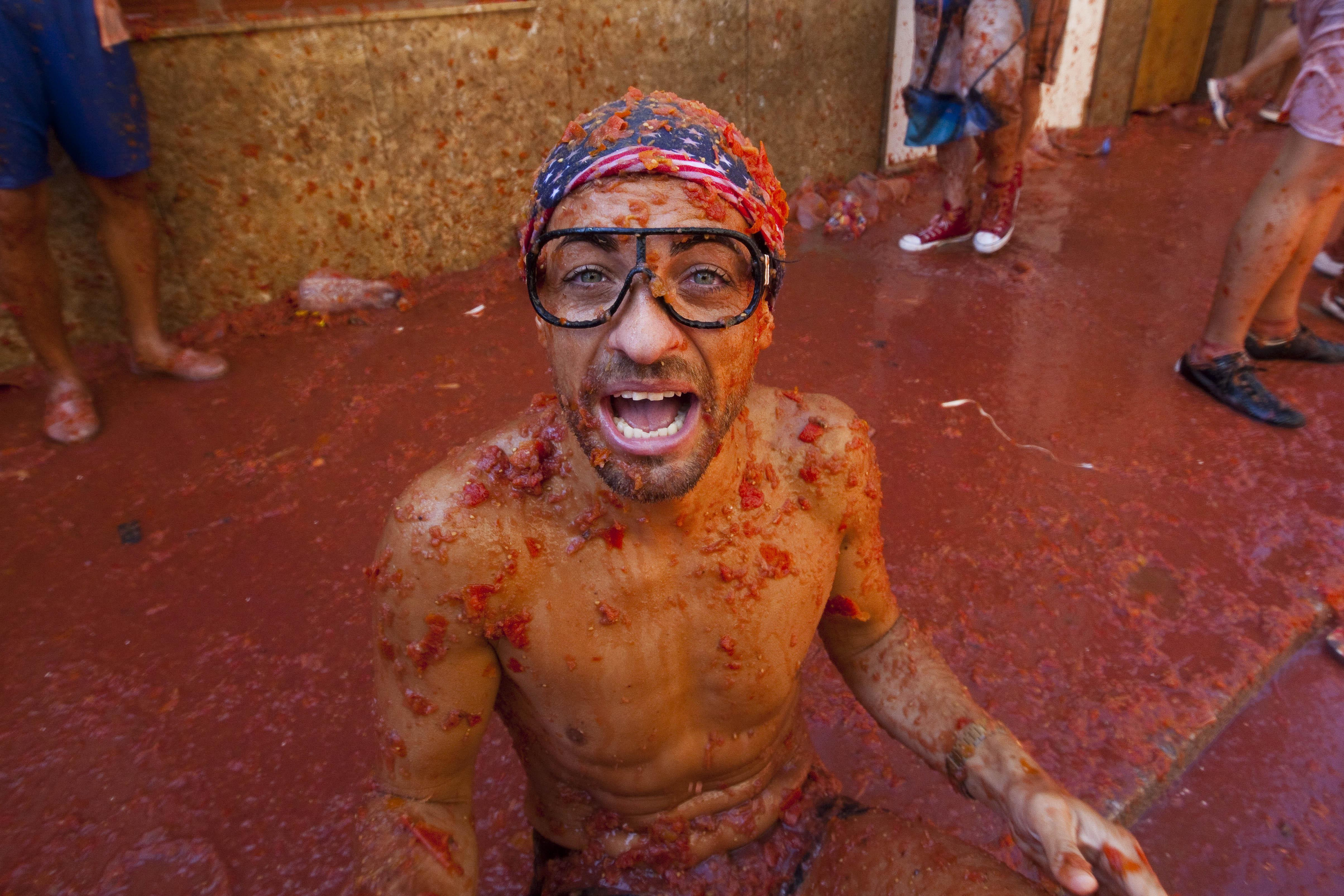 La Tomatina Festival Pictures Video Facts And