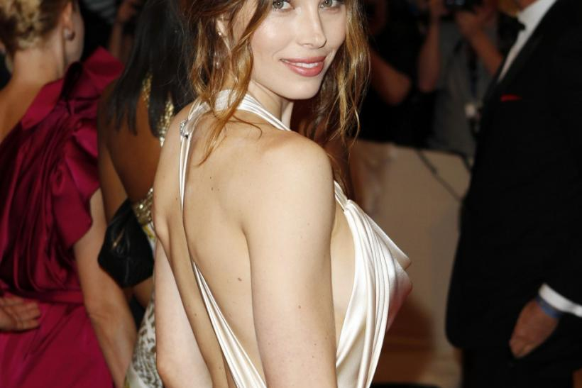 Jessica Biel Shows Off Engagement Ring Five Of Her Hot Looks