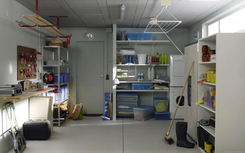 Des Etageres Pratiques Pour Organiser Le Garage Et La Buanderie Leroy Merlin