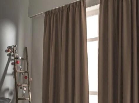 le rideau occultant classique qui protege efficacement votre piece de la lumiere a ne pas confondre avec le rideau opaque qui vous protege des regards