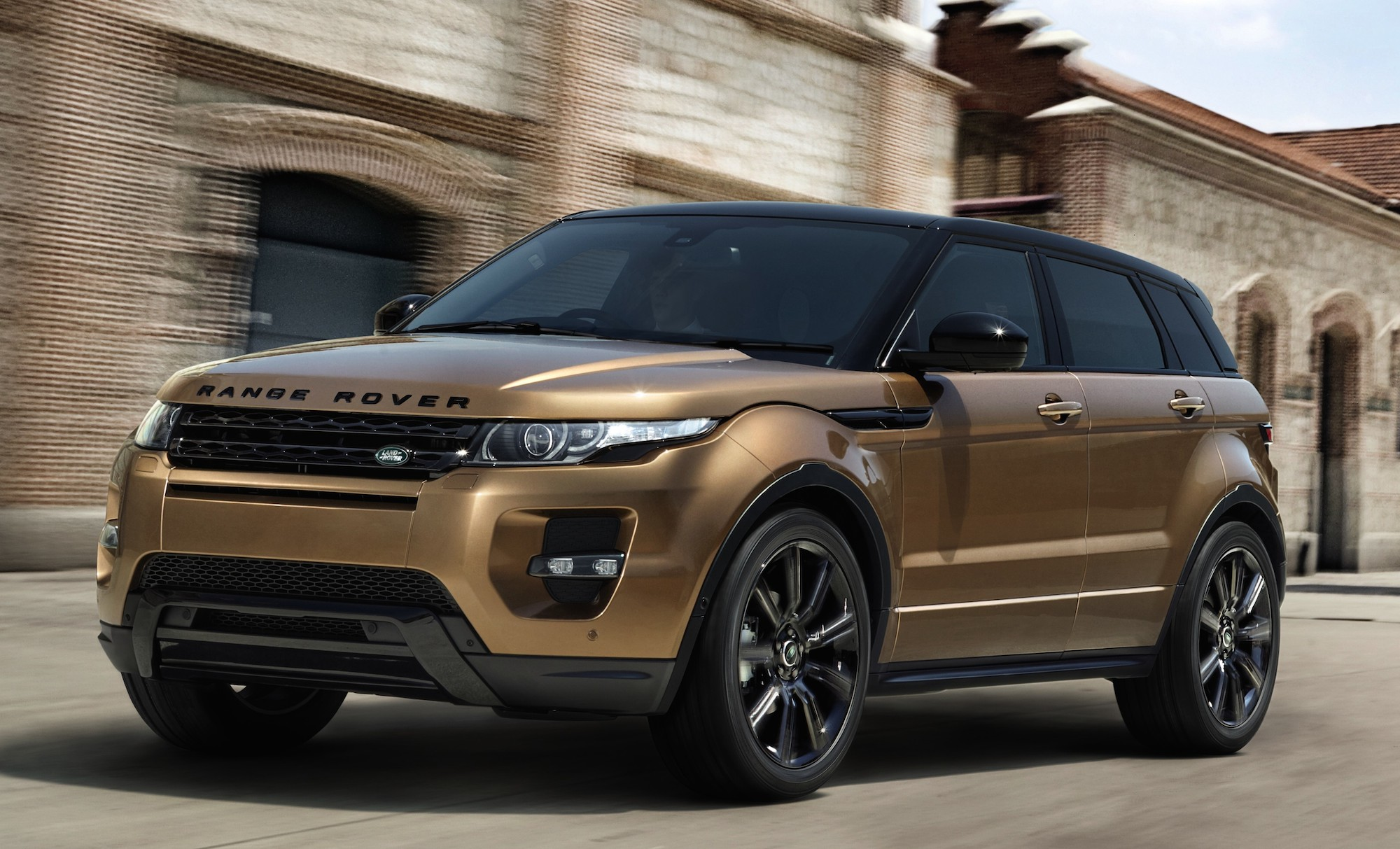 AD 2014 Range Rover Evoque is now out Get up close and personal