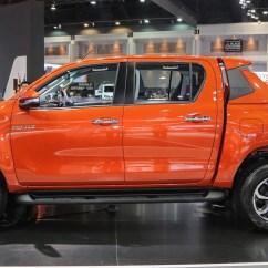New Toyota Agya Trd Sportivo Meja Lipat All Kijang Innova Hilux Introduced In Bangkok Image