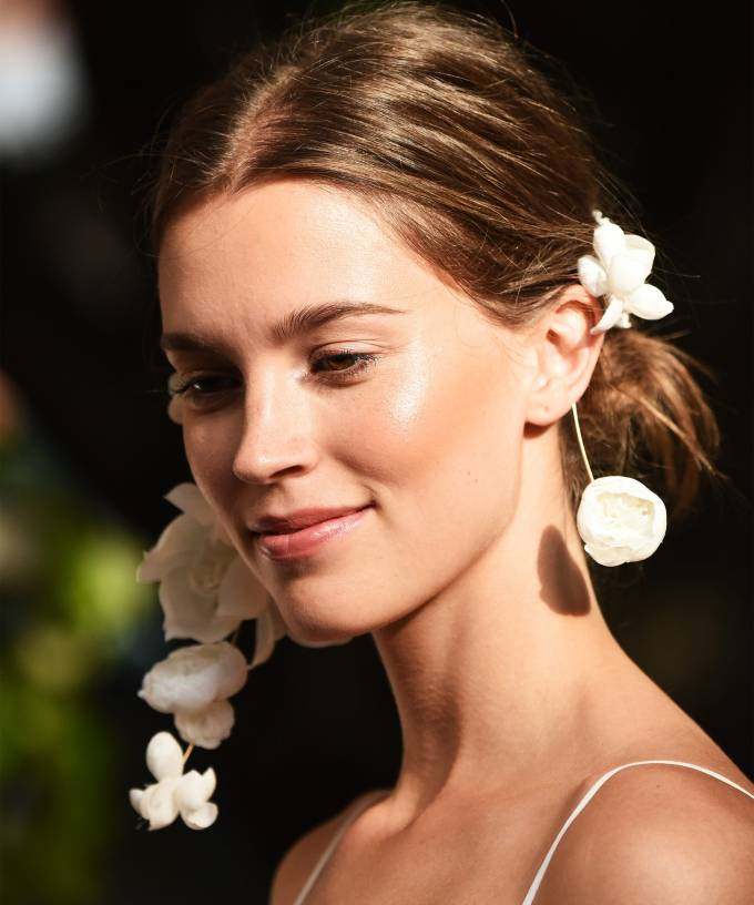 natural wedding makeup looks for glowing bridal beauty
