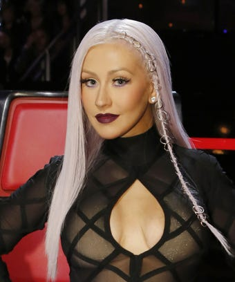 Christina Aguilera Goes Makeup Free And Shows Freckles