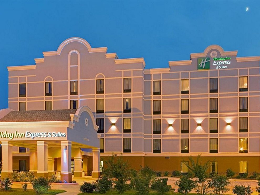 Holiday Inn Express Hotel Suites Greenwood Greenwood Ms