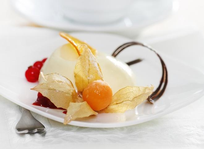 130704 shutterstock 85120072 - Panna cotta: an Italian dessert recipe