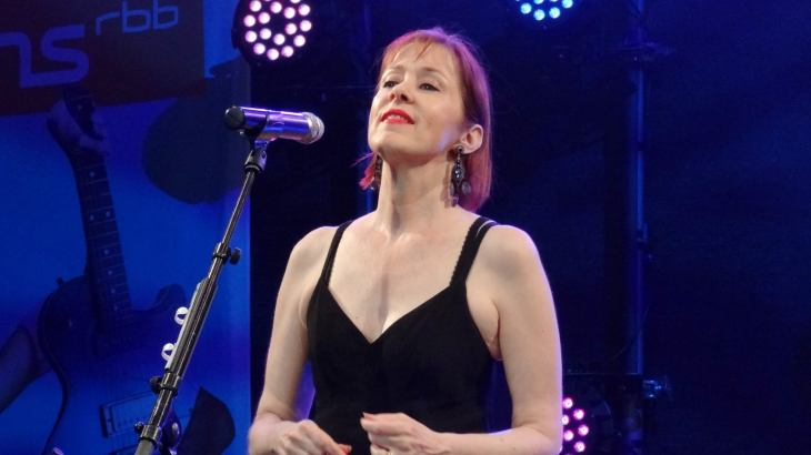 Suzanne Vega free presale password for early tickets in Collingswood