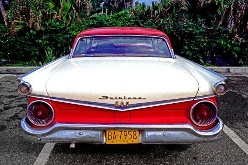 Редкие цветные фото о жизни на Кубе в 1981 году