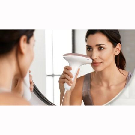 Epilator IPL Philips Lumea Advanced BRI922/00 cu Perie mini VisaPure de curatare faciala, Senzor de nuanta a pielii, utilizare cu fir, 250.000 impusuri, accesoriu fata si corp, Roz/Alb