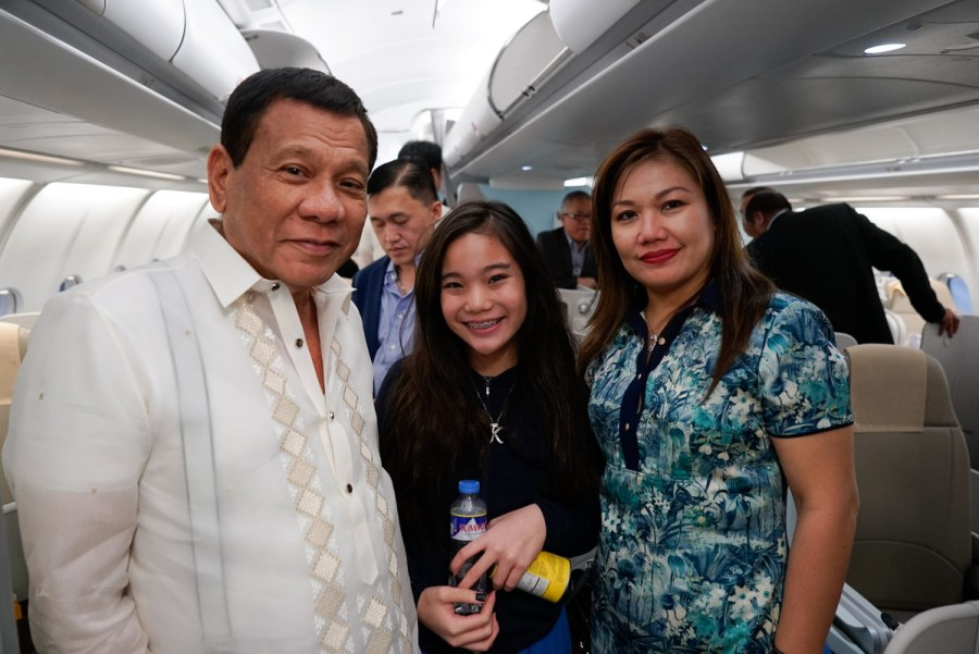 President Rodrigo Roa Duterte, his partner Honeylet and their daughter Veronica pose for a photo