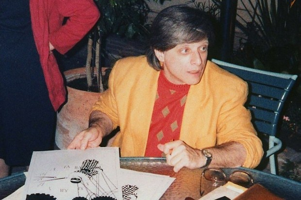 Американский писатель-фантаст Харлан Эллисон за полвека написал более двух тысяч рассказов эссе очерков и статей. Ф