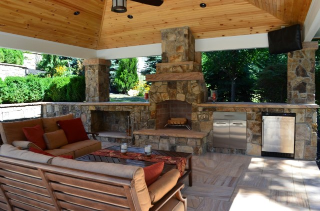 outdoor living | outdoor kitchen & fireplace design services