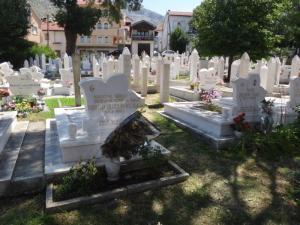 BOSw Mostar cimetière jour DSC00722
