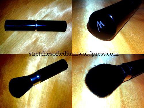 Marionnaud Retractable Powder Brush