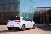 2019_Hyundai_i30_range_3