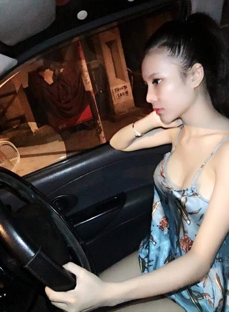 nackt Trang Thuy Mia Kirshner