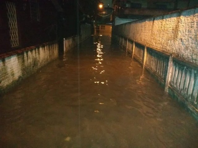 Joinville registra alagamentos por causa da chuva — Foto: Ramon Bernardo Guimarães