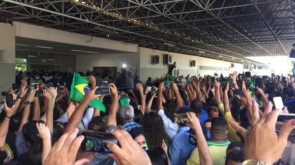 Bolsonaro chega a Sergipe — Foto: Joelma Gonçalves/G1