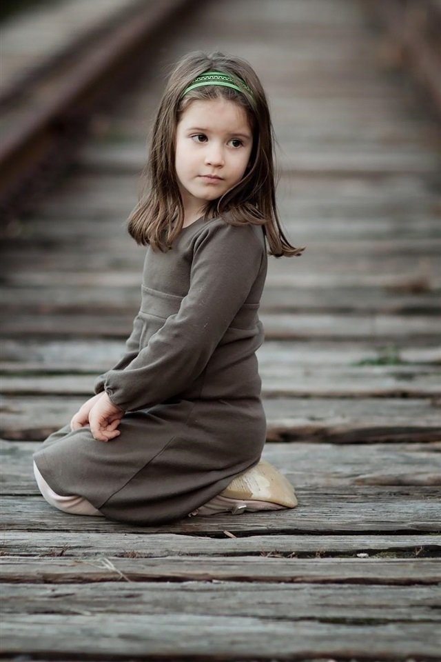 Baby Pink Iphone Wallpaper Wallpaper Cute Little Girl Sit At Railroad Child Look