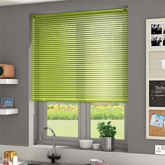 PVC Blind Cream Tirai Gulung Gorden Anti Silau minimalis design blocking sinar matahari yang masuk keruangan.