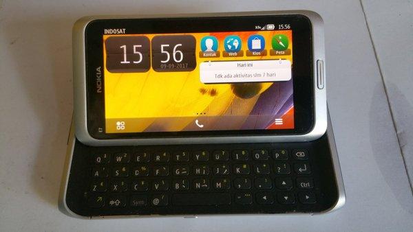 Nokia Symbian . Nokia E7 . Nokia Slading