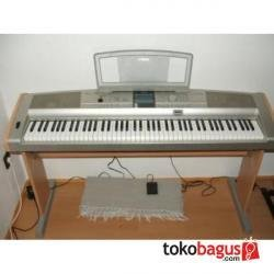 Digital Piano YAMAHA DGX-505