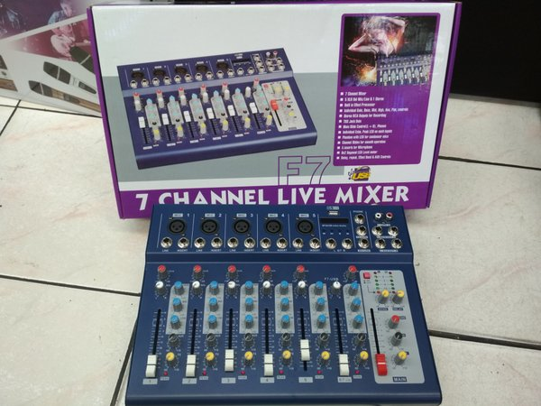profesional mixer audio line 7channel usb