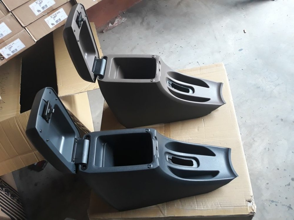 console box grand new avanza putih jual arm rest di lapak motor