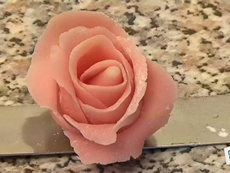 gateau faire une rose en pate d amande