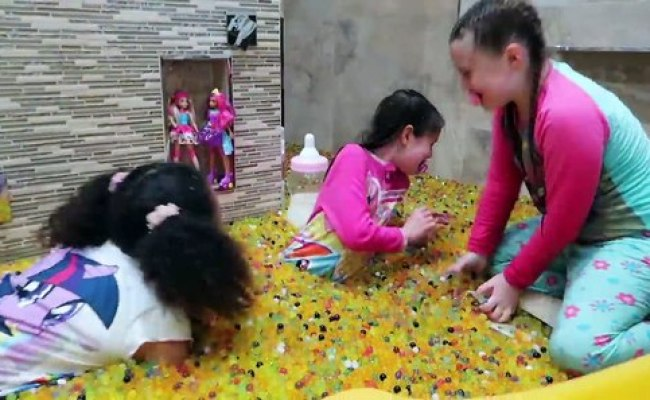 Bad Baby Tiana Messy Orbeez Bath Party Spa Explosion Mommy