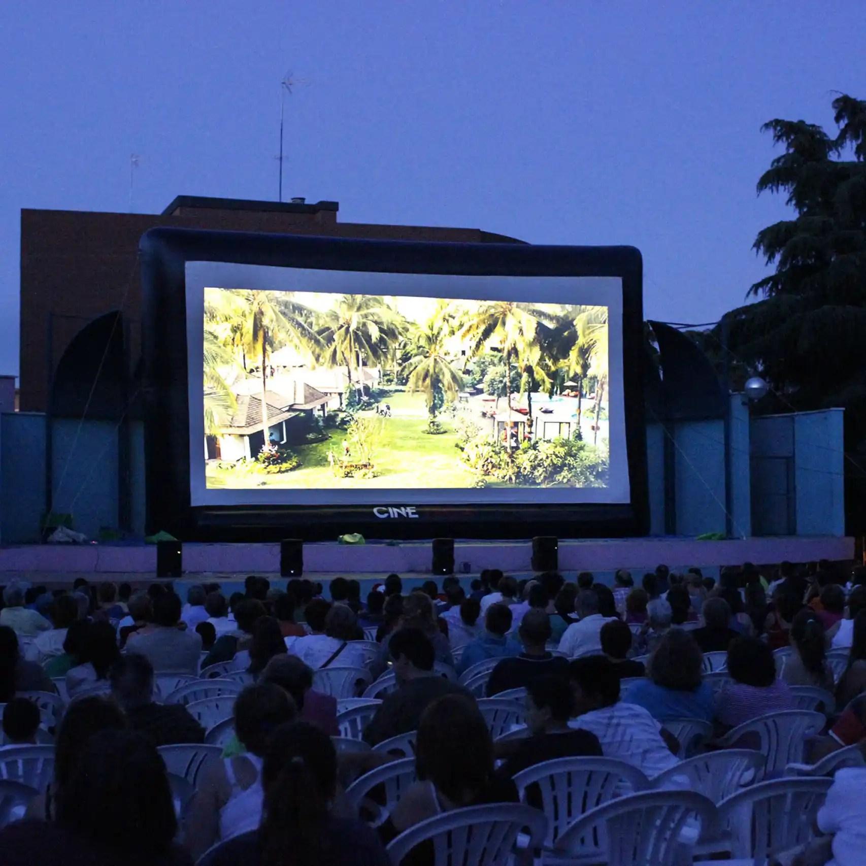 Cine de verano en un pueblo Madrid.