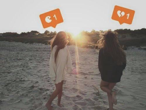 beach best friend bff brunette girl heartbroken