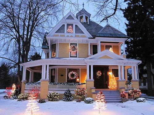 Exterior Homes Decorated For Christmas